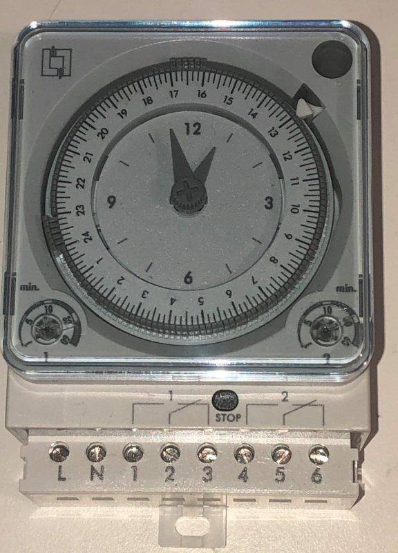 Legrand Schaltschrank Zeitschaltuhr 230V 2x Um